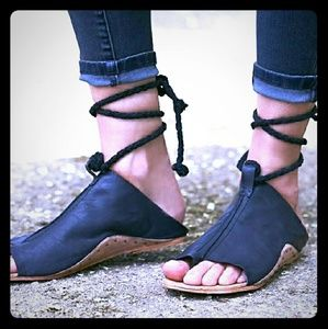 FP Cherry Valley Black Leather Sandals